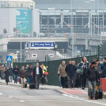 citizens outside brussels airport